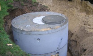 Installation d'une cuve en béton pour le stockage d'eaux de pluie