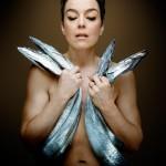 Ollivia Williams pose nue pour dire non au chalutage de fond